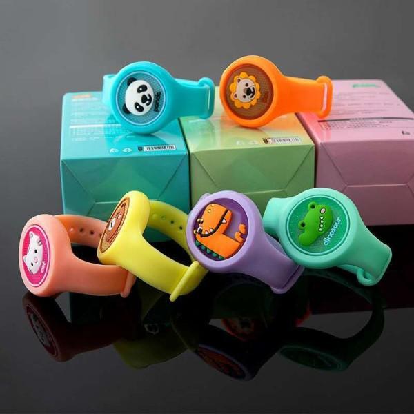 Nơi bán Đồng hồ phát sáng có tinh dầu chống muỗi cho bé với nhiều màu sắc chọn màu ngẫu nhiên