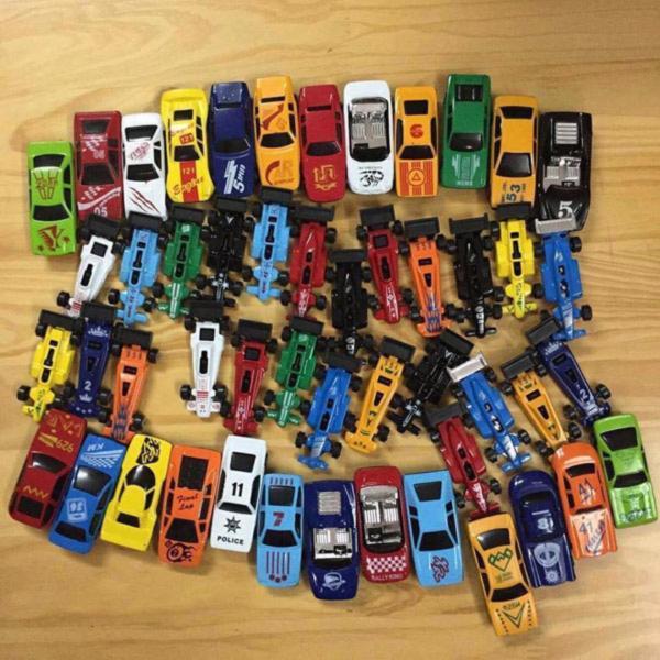 Bộ đồ chơi 50 ô tô sắt