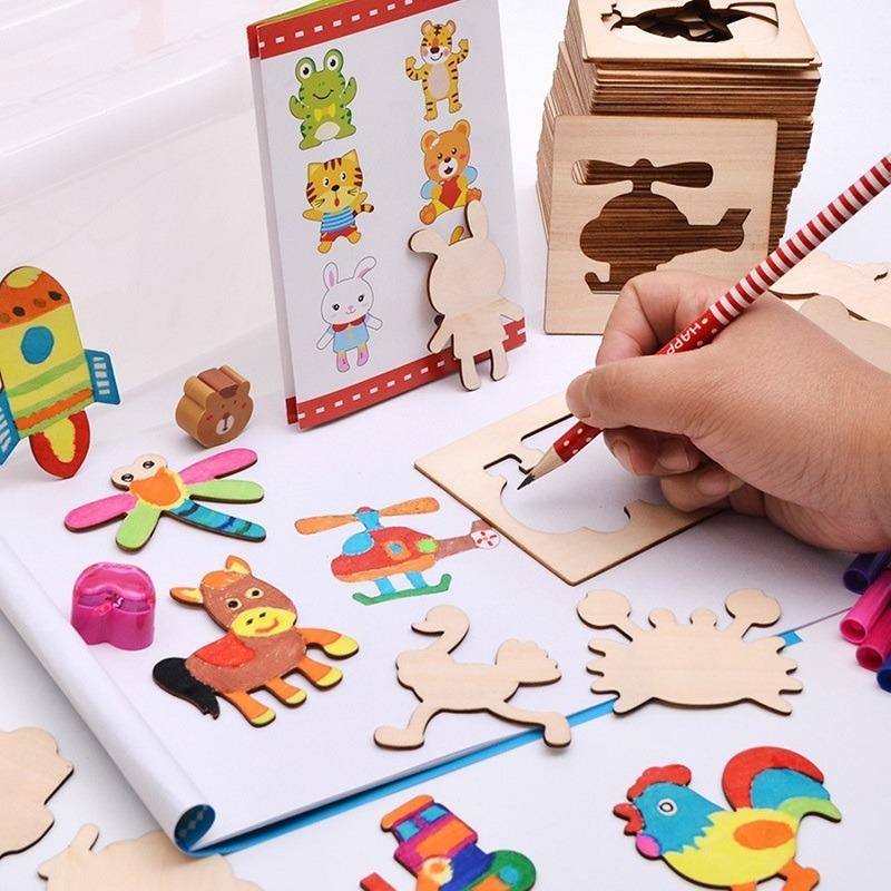 Hình ảnh Bộ khuôn vẽ cho trẻ em: 52 chi tiết hoạt hình + Vở + Bút chì + Gọt bút chì + 12 bút màu