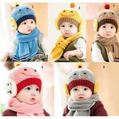 Bộ mũ len và khăn choàng cho bé kiểu dáng ngộ nghĩnh Giá Tốt 360 (Màu ngẫu nhiên)