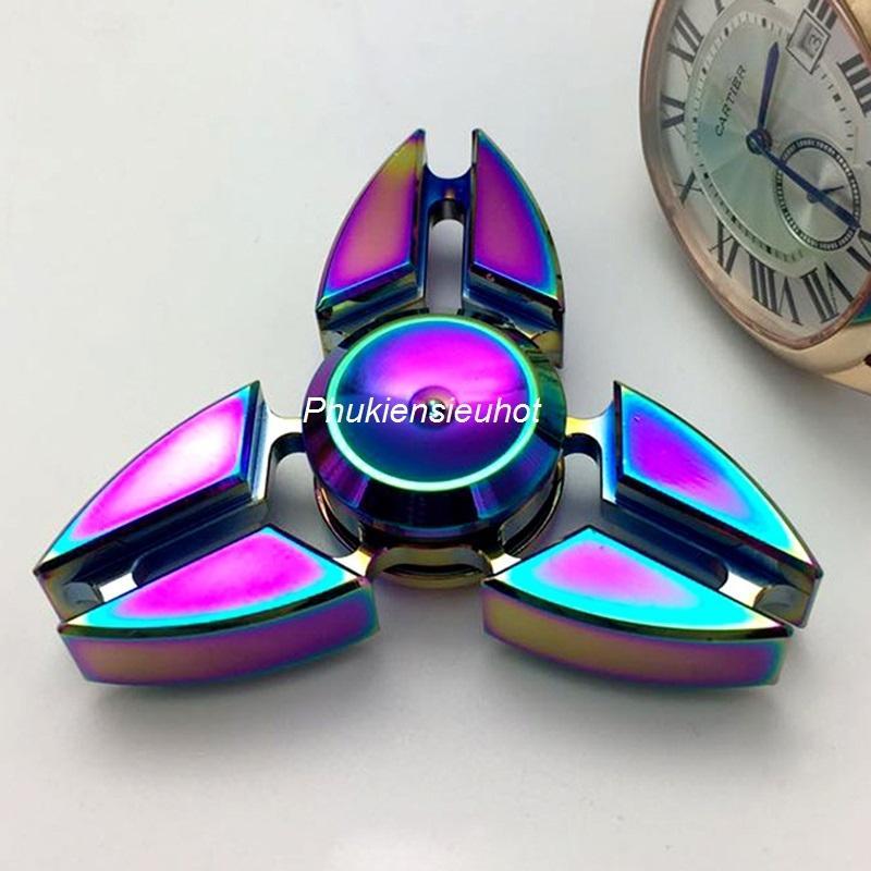 Hình ảnh Con quay spinner 3 cánh sakura cao cấp (Titanium)
