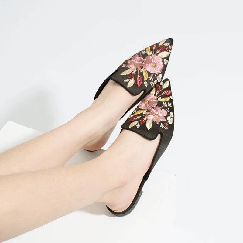 Giày sục nữ thêu hoa size 35 - 39 mã 73