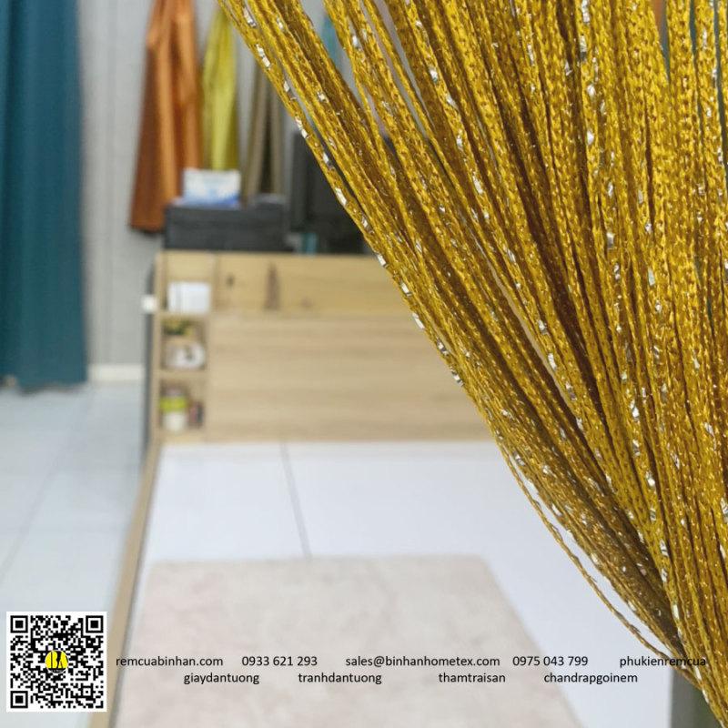 Rèm sợi chỉ kim tuyến màu vàng đồng trang trí tiệc cưới, tiệm tóc, spa, decor tiệc party 3m*3m