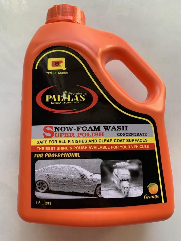 Nước rửa xe bọt tuyết siêu bóng PALLAS 1,5 lit, không hại cho xe, bảo dưỡng sơn xe, không gây ố, mốc trắng, không ăn mòn, không độc hại, không ảnh hưởng môi trường, không hại da tay, không mất thời gian pha dung dịch tẩy rửa