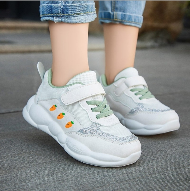 Giày thể thao mẫu mới,  in hình củ cà rốt , gót gắn tai thỏ cho bé gái từ 3 đến 15 tuổi T022 giá rẻ