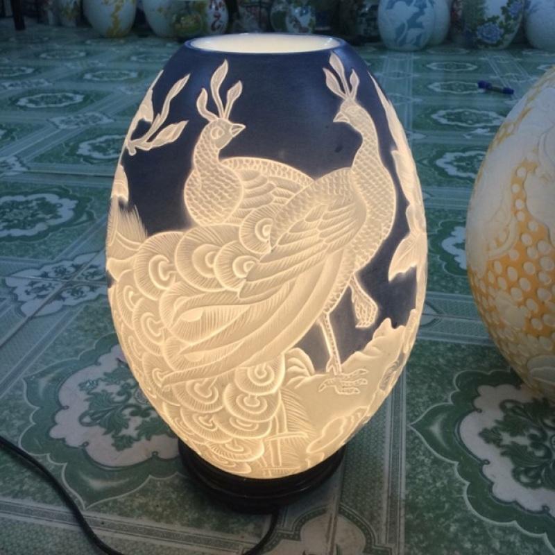 Đèn chim công khắc màu cao 43cm