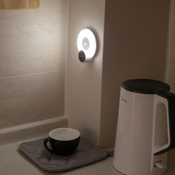 Đèn cảm biến chuyển động , phù hợp lắp cầu thang , tủ quần áo , nhà bếp