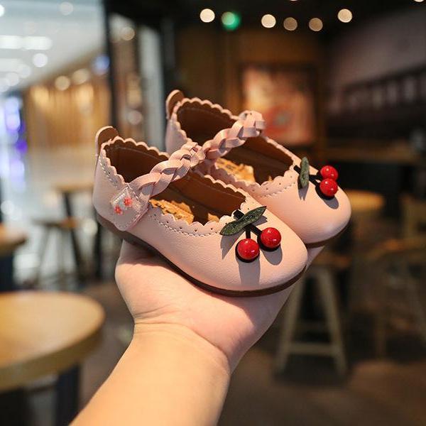 Giá bán giày bé gái size 15-25 quai đan nổi bật