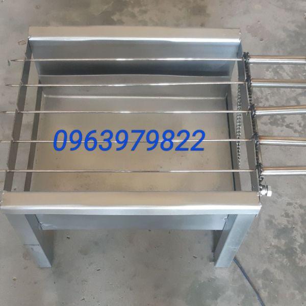 Bảng giá Máy nướng thịt xiên gà vịt cá gắn sẵn mô tơ tự quay kèm 5 xiên inox Điện máy Pico