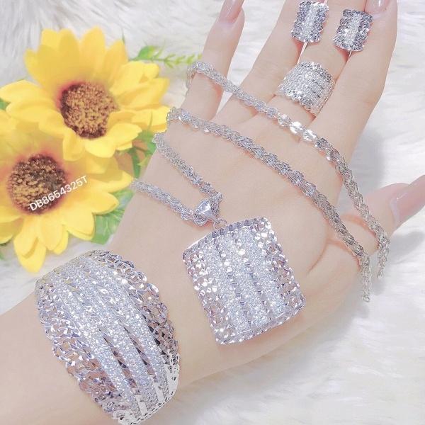 (Giá Rẻ)Bộ trang sức nữ mạ vàng 18k mạ bạc, bộ trang sức mặt vuông ba hàng cao cấp đính đá pha lê sáng lấp lánh không phai màu thiết kế sang trọng quý phái đẹp Trang Sức KaDo - BS00144 - Đeo đi làm đi đám cưới sang trọng