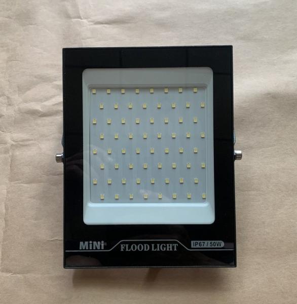 Đèn Pha ipai 54 led chống nước IP66 50w 220v sáng trắng