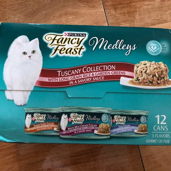 Fancy feast Medleys