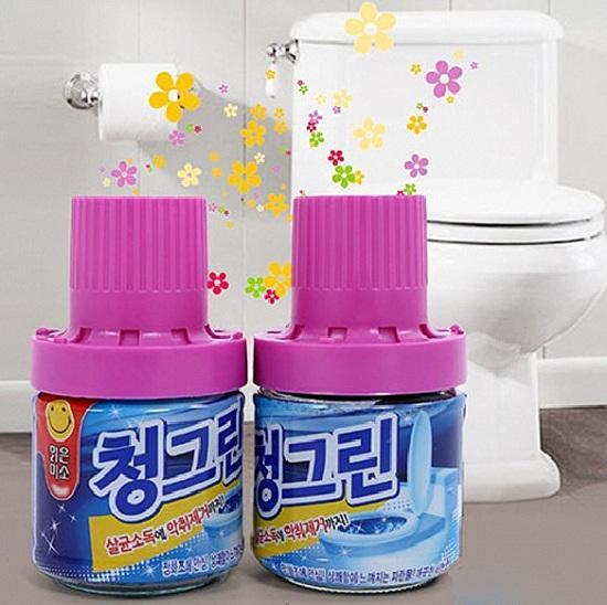 Chai tẩy vệ sinh bồn cầu xanh hương ngàn hoa