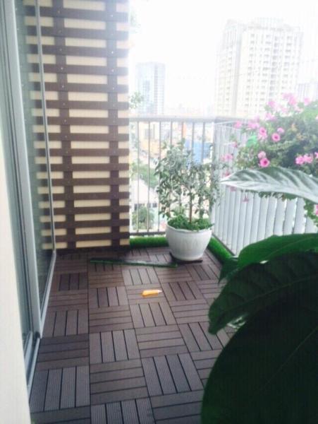 5 Vỉ gỗ nhựa ngoài trời lót sàn màu cà phê VG300CP