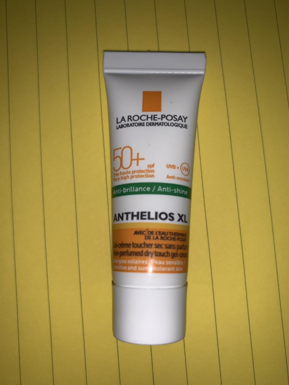 Kem Chống Nắng La Roche-Posay Anthelios XL DRY TOUCH SPF50+ Với Giá Sốc