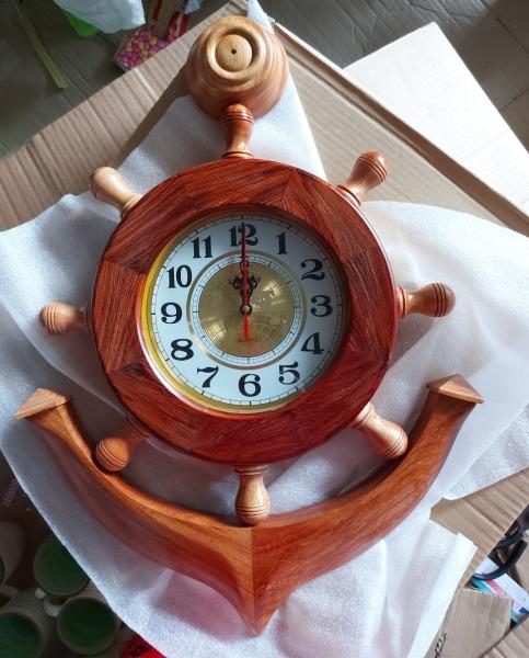 Đồng hồ hình mỏ neo gỗ cẩm