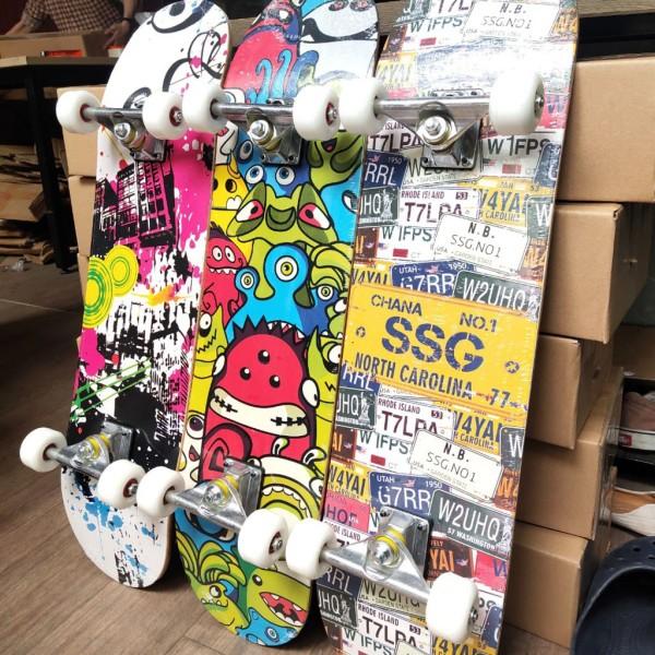 Giá bán Ván trượt, ván trượt thể thao mặt nhám skateboards sports gỗ ép 7 lớp, tải trọng 150kg, ván trượt thể thao