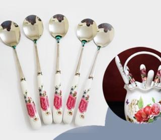Bộ muỗng nĩa inox nhỏ cán bọc sứ trắng in hoa hồng, nhiều hoa thumbnail