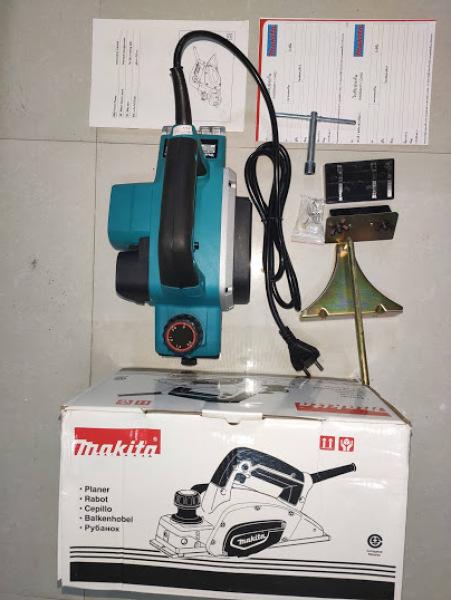 Máy bào MAKITA KP0800, 620W, made in Thái lan, đường bào 82mm, dây dồng chịu nhiệt.