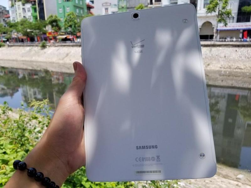 Máy Tính Bảng Samsung Galaxy TaB S2 9.7 Inch Với Màn Hình 2K Sắc Nét - Ram3GB. Tặng Sạc Cáp Nhanh Và Tai Nghe. chính hãng