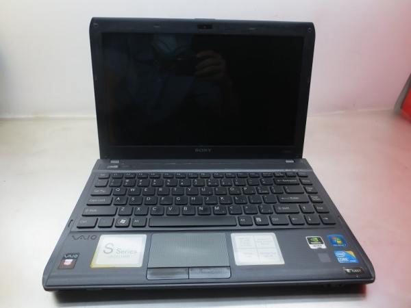 Bảng giá Laptop Cũ Sony VPCS115FG/ CPU Core i3-330M/ Ram 4GB/ Ổ Cứng HDD 320GB/ VGA NVIDIA GeForce 310M/ LCD 14.0 inch. Màn hình lúc khởi động lên góc phải có 1 vệt trắng nhỏ nhưng khi lên win xài bình thường. Phong Vũ