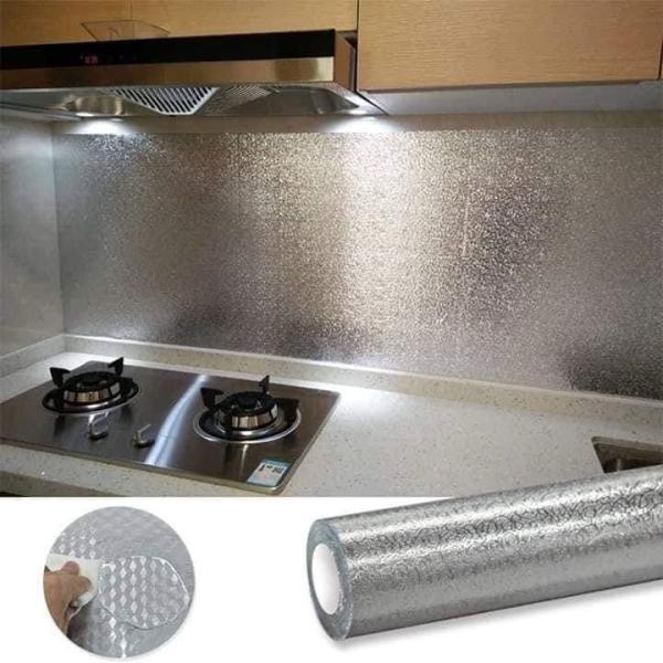 (3M X 60CM) Chất liệu tráng nhôm cách nhiệt, không bám dính dầu mỡ, không thấm nước, bền màu, không độc hại. Dùng dán tường bếp, dán lót mặt bếp, dán lót tủ - Giấy có sẵn keo chỉ cần lột ra và dán, có thể tự dán dễ dàng