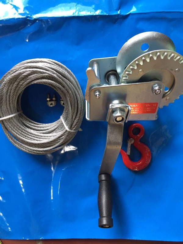 Tời quay tay 600 LBS ( cáp phi 4 dài 15m, 1 móc và 2 khóa cáp)