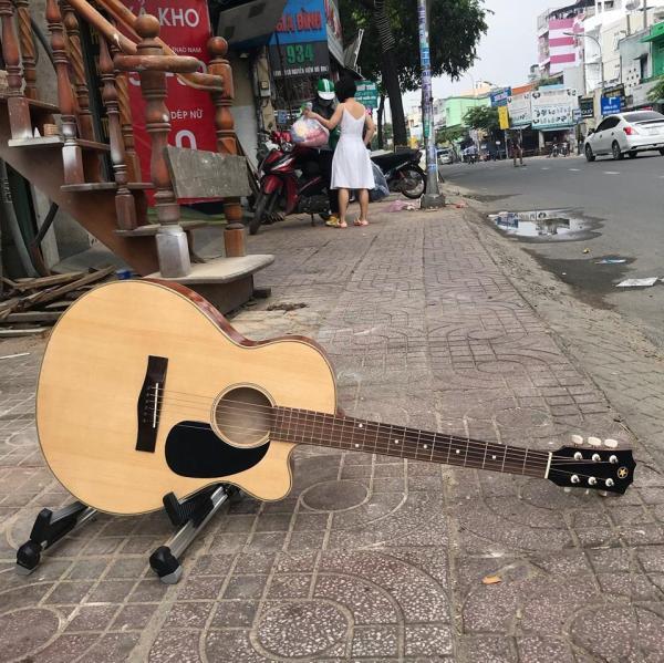 Đàn Guitar có ty mặt gỗ thịt tự nhiên ET-75SV giá bán tại xưởng