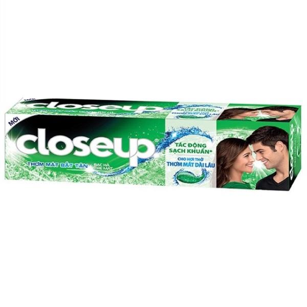 Kem đánh răng Closeup bạc hà thơm mát sảng khoái bất tận 180g