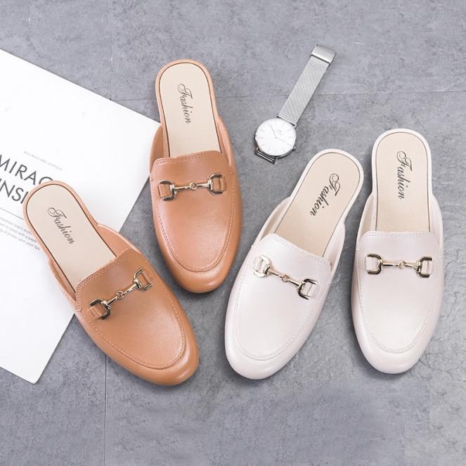Giày sục nữ trơn móc khóa đơn giản dễ phối đồ có 3 màu giá rẻ