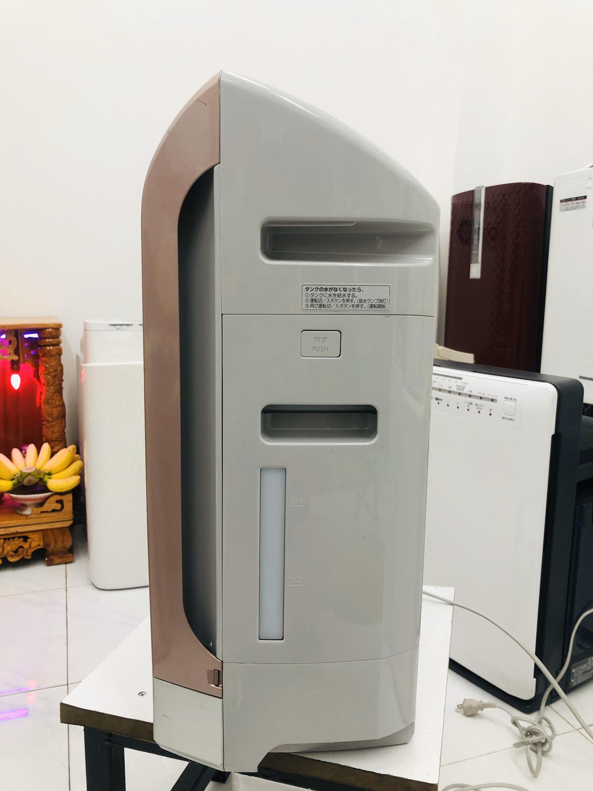 Bảng giá Máy lọc không khí Panasonic F-VXD40, F-VXE46 nội địa