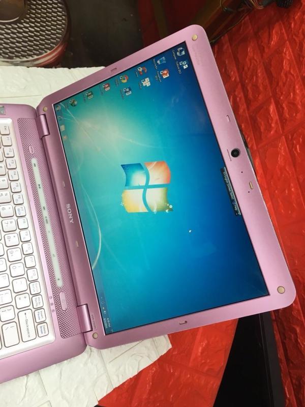 Laptop Sony CS đỏ thời trang