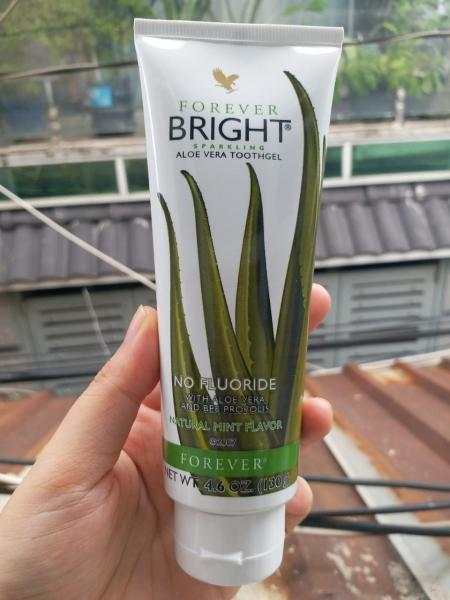 KEM ĐÁNH RĂNG LÔ HỘI Forever Bright Toothgel (130ml)