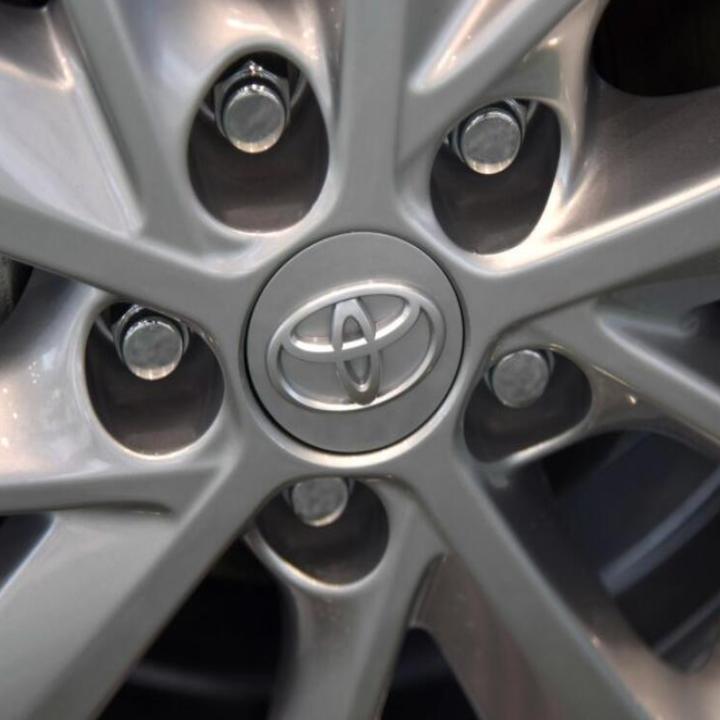 1 chiếc Logo chụp mâm, ốp lazang bánh xe ô tô, xe hơi nhãn hiệu Toyota đường kính 62mm ( Màu bạc) - 3