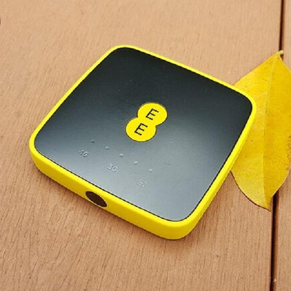 Bộ Phát Wifi 4G Alcatel EE40 tốc độ 4G LTE 150Mbps, Hỗ Trợ 15 User ( Hàng nhập khẩu)