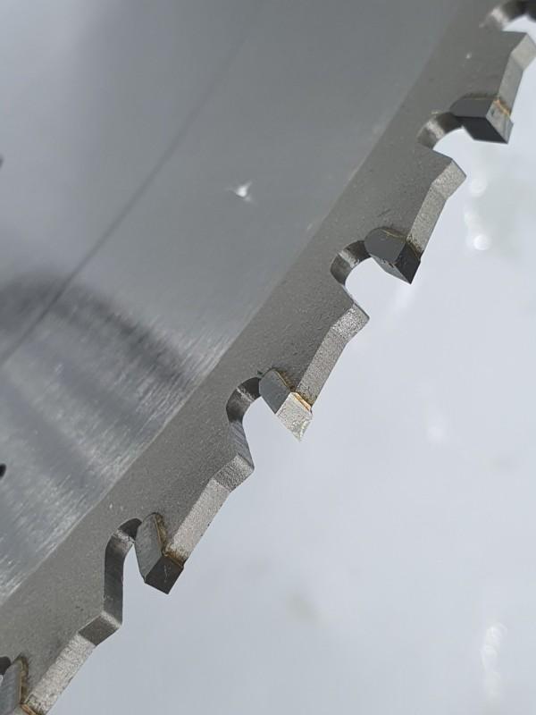 Lưỡi cưa Gỗ hợp kim 305x60R Cao cấp hiệu SENKA, Khe Laze, tản nhiệt đồng, răng chống trượt