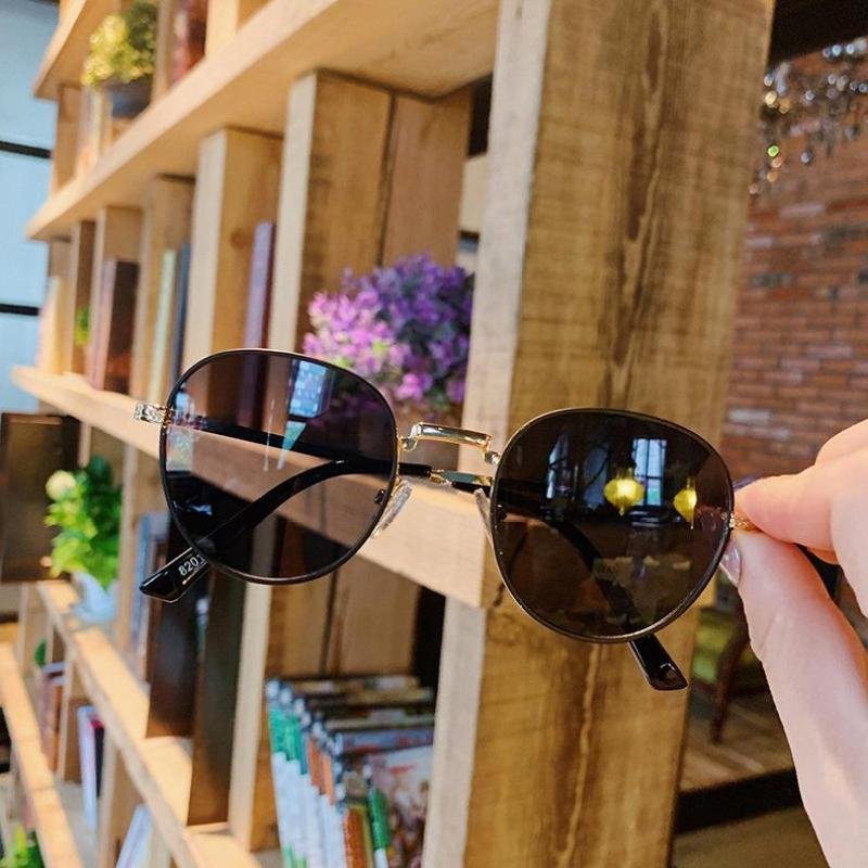 Mua kính mát kính chống nắng cho bé hàng mẫu mới 2019