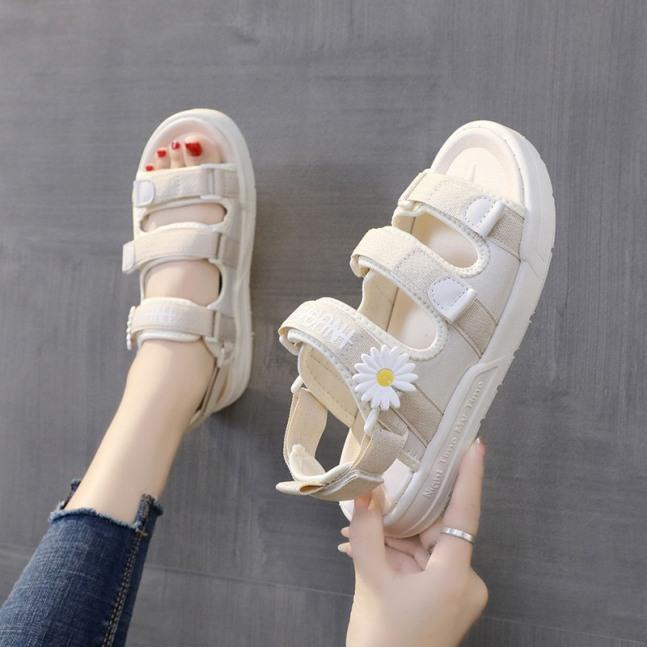 (2 MÀU) Sandal nữ thời trang Ulzzang nữ tính quai chữ ký hoa cúc 2 màu Đen Kem đẹp trẻ đế siêu êm giá rẻ