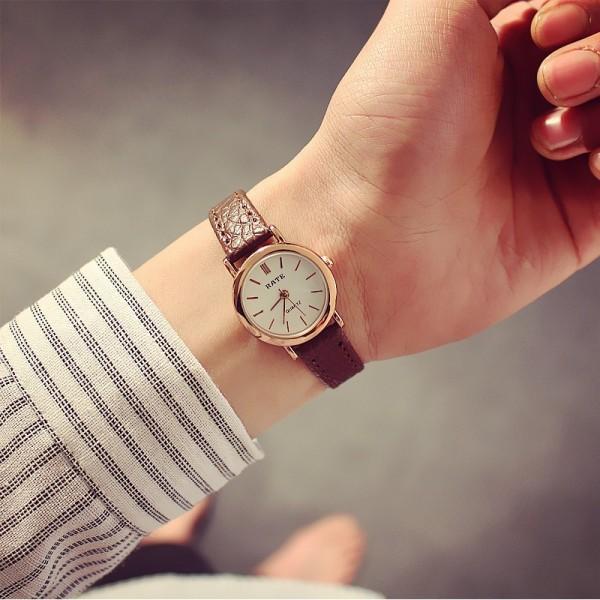 Nơi bán Đồng hồ thời trang nữ Rate R144, mặt tròn số cực xinh, dây da mềm êm tay cực bền, phong cách Hàn Quốc, chống nước sinh hoạt