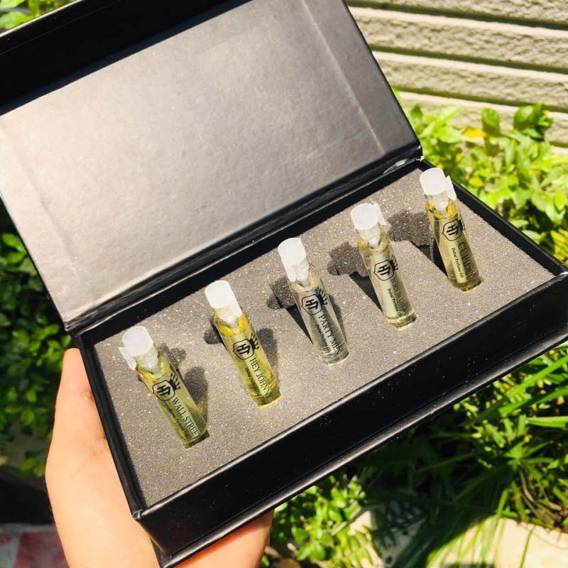 Bộ Test Thử Mùi 10 LoạiTinh Dầu Nước Hoa Cực Thơm (10 ống 1ml) 10ml
