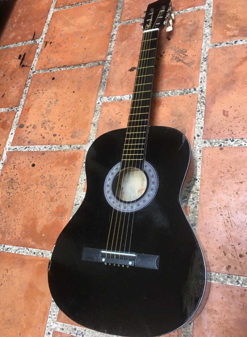 Đàn Guitar Gỗ Acoustic Dáng D Màu Đen Giá Rẻ - Tặng Kèm Phụ Kiện