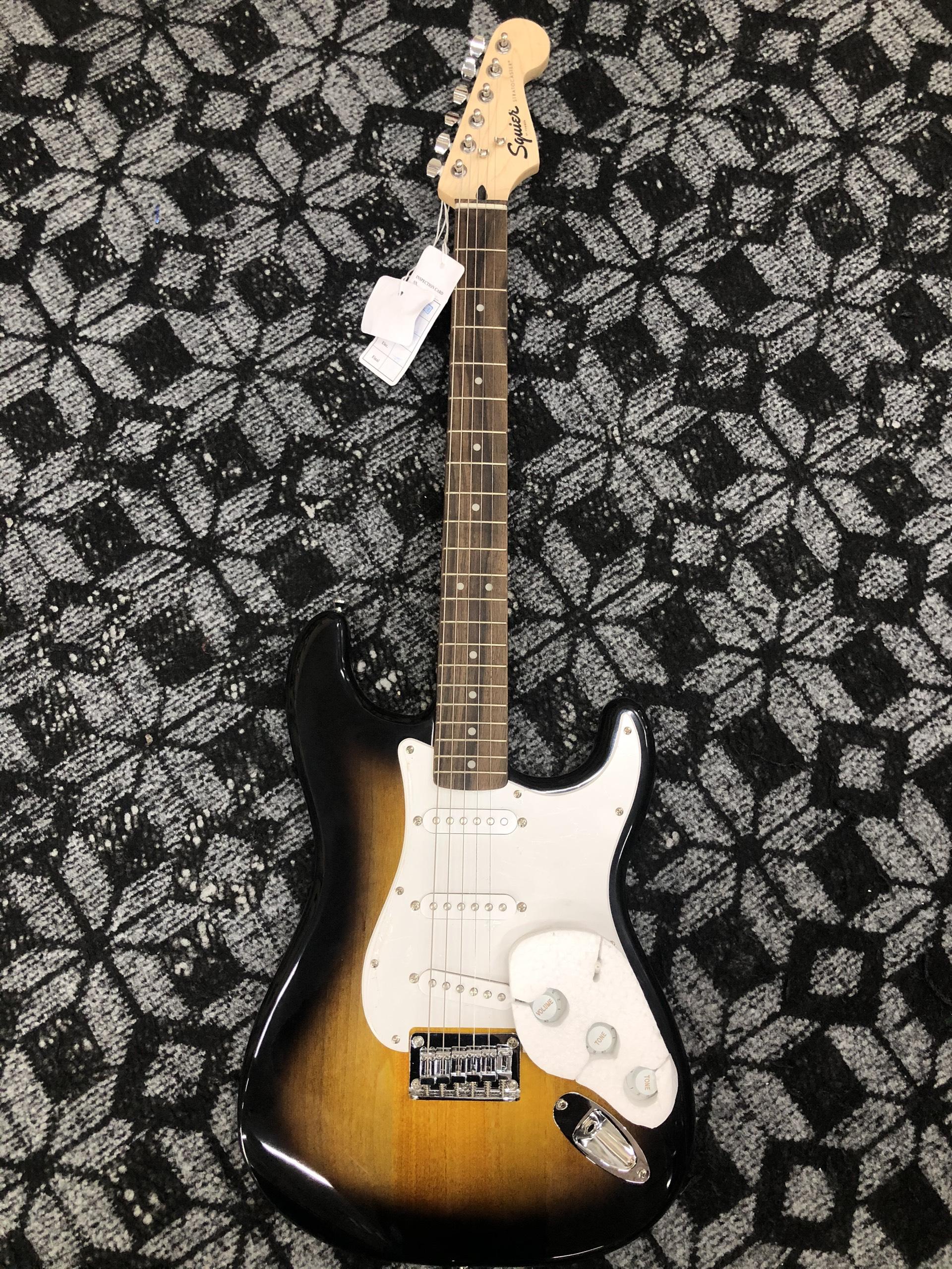 Guitar Điện Squier Strat