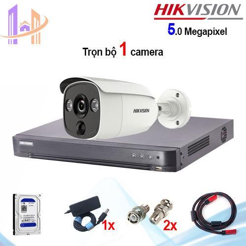 Trọn bộ 1 camera Hikvision DS-2CE12H0T-PIRL (5MP) + đầu ghi 4 kênh DS-7204HUHI-K1 - Công Nghệ Hoàng Nguyễn