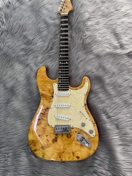 Đàn guitar chung 1 loại cổ nhạc