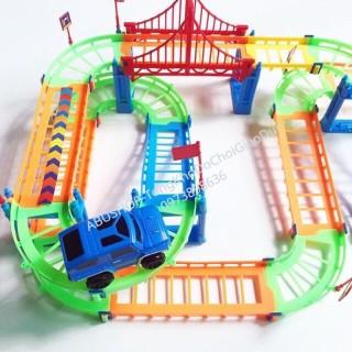 Hộp lắp ráp đường đua ô tô nhựa, Mô hình ô tô cho bé sáng tạo kèm xe địa hình A223 thumbnail