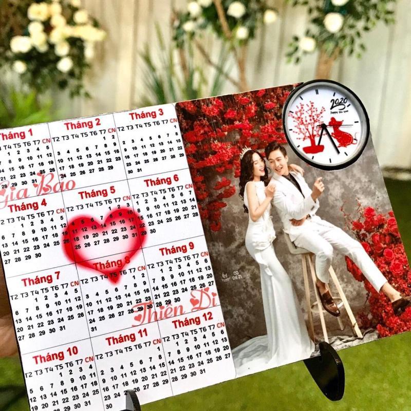 Nơi bán Đồng hồ lịch để bàn TH in hình theo yêu cầu mẫu độc đáo - Mừng xuân Canh Tý