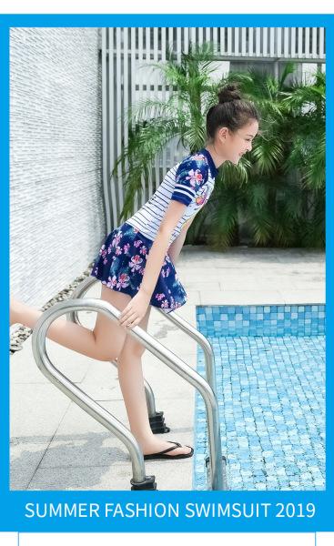 Giá bán Đồ bơi cho bé gái liền thân váy boxer họa tiết Kỳ lân size từ 20kg đến 50kg
