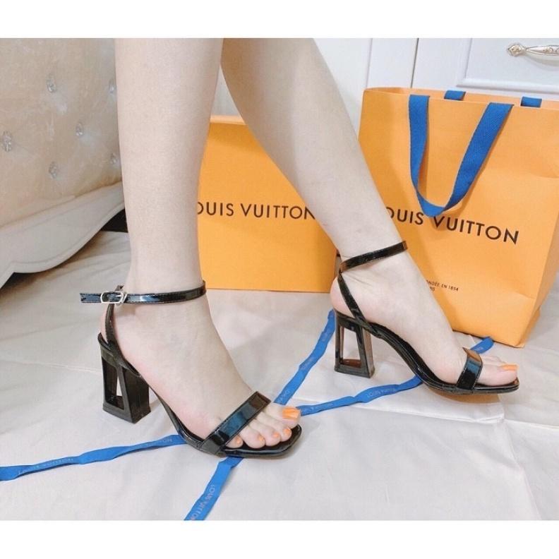 Sandal cao gót 7p gót lỗ siêu hot giá rẻ