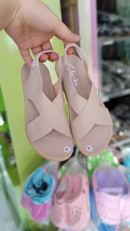 giày sandal đế thấp dây chéo giá rẻ