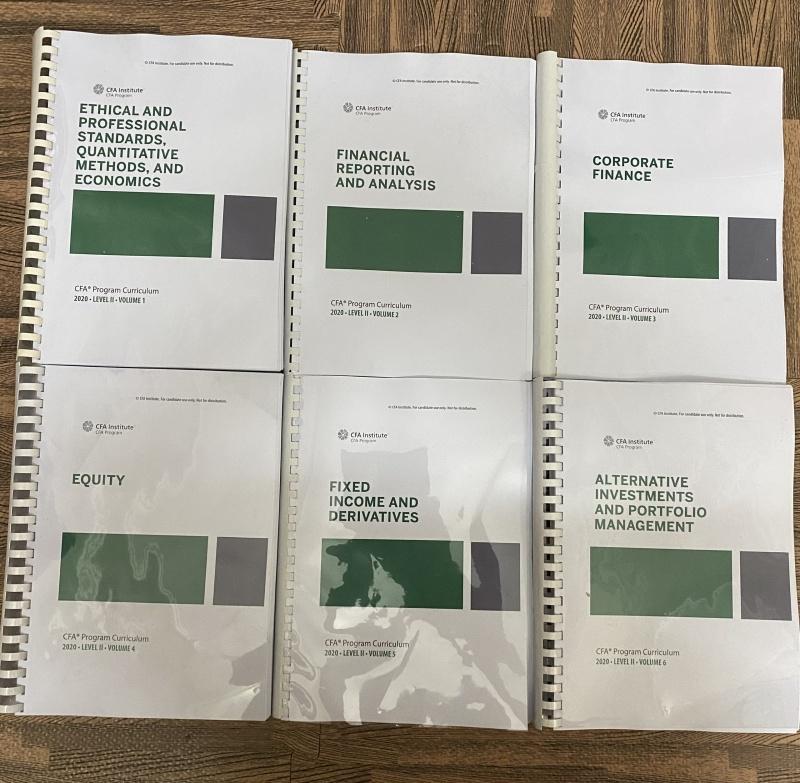 Bộ sách 6 quyển CFA level 2 - 2020 ( sách gia công gáy xoắn như hình) tặng kèm Schwesers Quicksheet